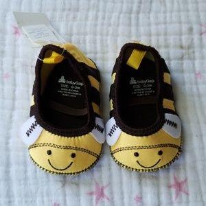 Baby Gap bumblebee shoes